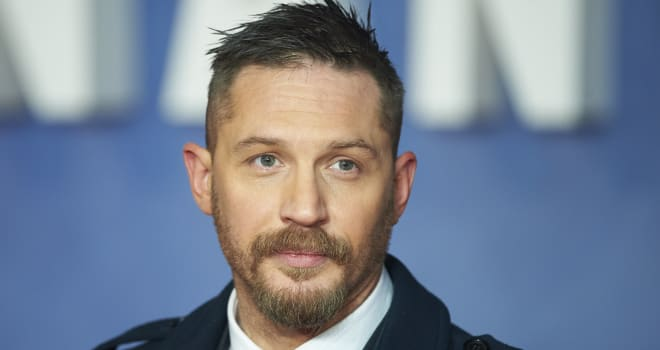 Miraculous Tom Hardy Reads A Bedtime Story With His Dog In His Lap In Short Hairstyles Gunalazisus