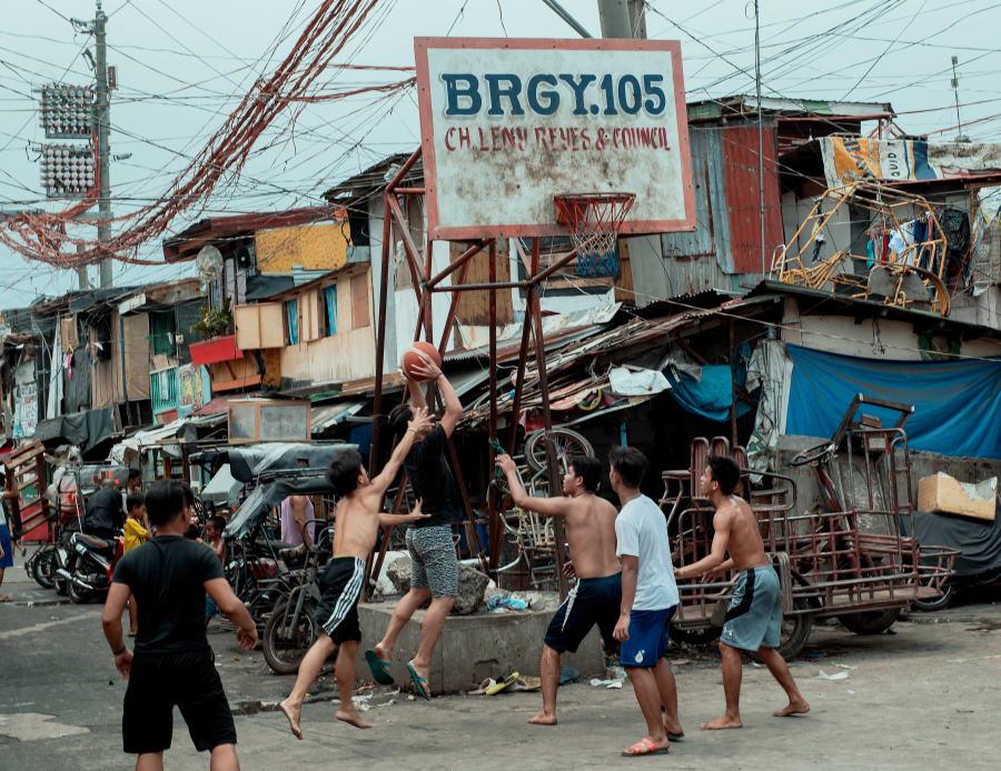 Poverty, Malnutrition And Disease Make Manila's 'Happyland' A Very
