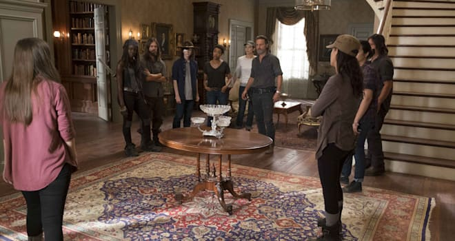 Katelyn Nacon as Enid, Danai Gurira as Michonne, Tom Payne as Paul 'Jesus' Rovia, Chandler Riggs as Carl Grimes, Sonequa Martin-Green as Sasha Williams, Lauren Cohan as Maggie Greene, Andrew Lincoln as Rick Grimes, Alanna Masterson as Tara Chambler, Norman Reedus as Daryl Dixon, Christian Serratos as Rosita Espinosa; group - The Walking Dead _ Season 7, Episode 9 - Photo Credit: Gene Page/AMC