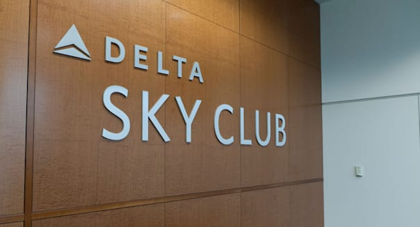 Delta Sky Club lounge sign