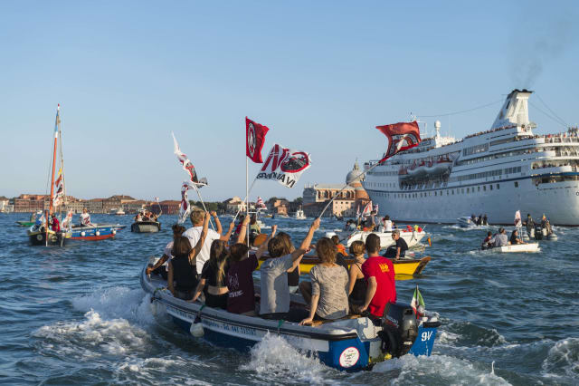 Demonstration against the Great Ships passage in Venice