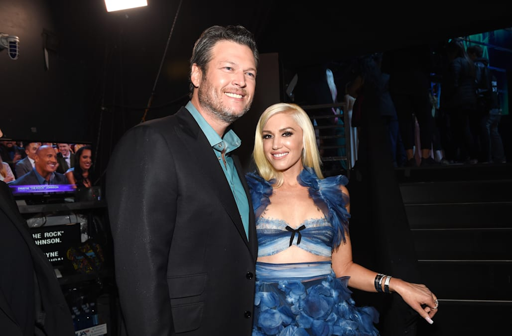 070af1e19f440 The 47-year-old singer attended boyfriend Blake Shelton s Doing It to  Country Songs