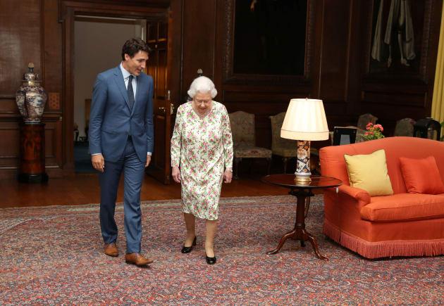Julie Payette, la prochaine gouverneure générale, esquive une question sur la pertinence de la monarchie...
