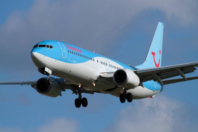 Crosswinds leave pilot struggling to land at Birmingham