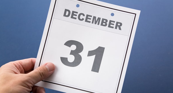Last day of the year, calendar date December 31 for background