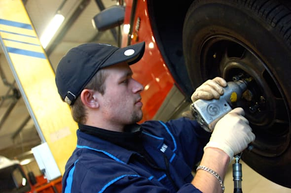 A2445Y British young student mechanic portrait UK