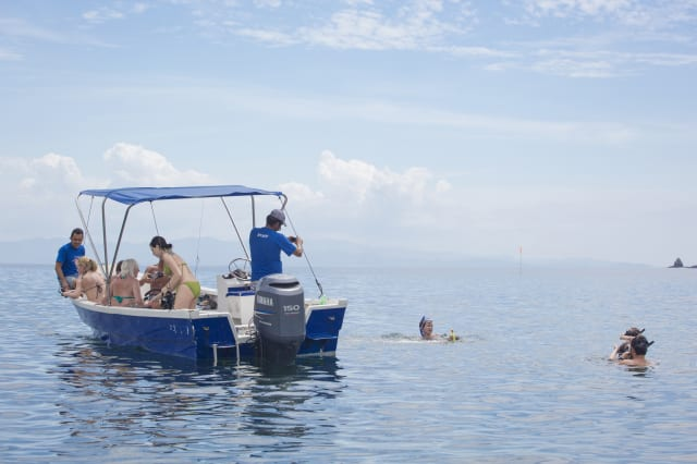 Costa Rica, Peninsula Nicoya, Tour boat around Isla Tortuga