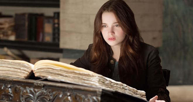 BEAUTIFUL CREATURES Alice Englert