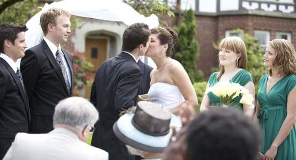 Bride and groom kissing during wedding ceremonyCanada, British Columbia, VancouverCreative image #:  sb10063726aw-001License