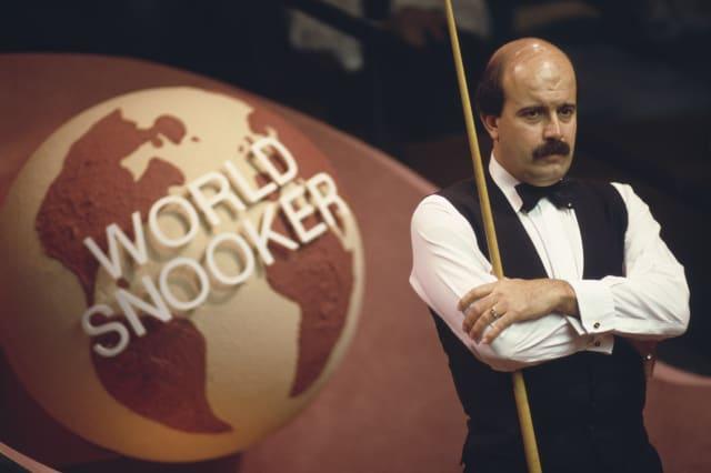 Snooker's Willie Thorne 'peniless' from gambling