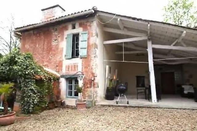 EastEnders fans suprised by Sid Owens' palatial home