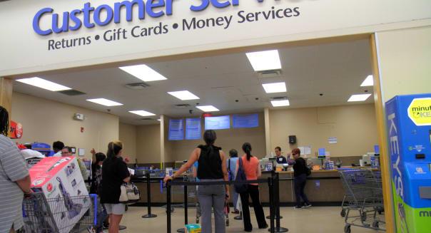 Nevada Las Vegas Walmart Wal-Mart Super Center centre shopping Customer Service returns line queue customers