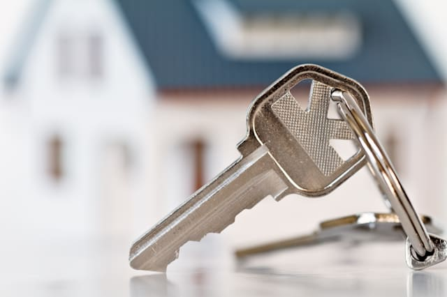 keys with house