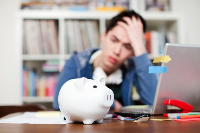 Savings difficulties: Brits struggling to find cash to set aside