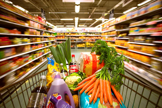 Shoppers paying less for groceries
