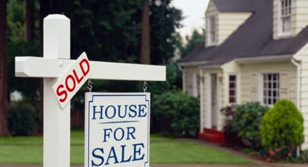 |color|horizontal|exterior|left|business|for sale sign|sign|house|sold sign|success|real estate|white|green|76113.jpg|V76|Resour