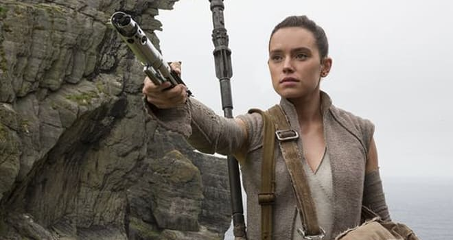 Daisy Ridley confronted by star-studded panel regarding 'The Last Jedi'