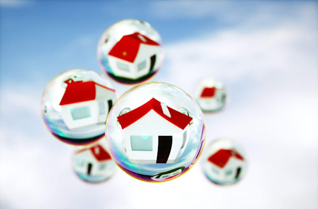 Two-thirds of Canadians believe the country is experiencing a housing bubble, a new poll has