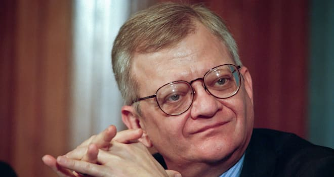 Best selling author and novelist Tom Clancy speaks at the National Press Club May 18, 1999 in Washington, DC. Clancy is known fo