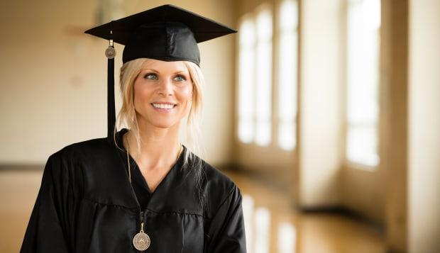 Elin Nordegren Graduates From Rollins College
