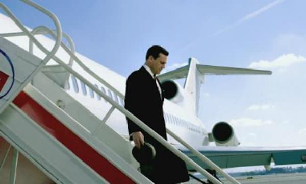 Mad Men season 7 trailer shows Don Draper deplaning.
