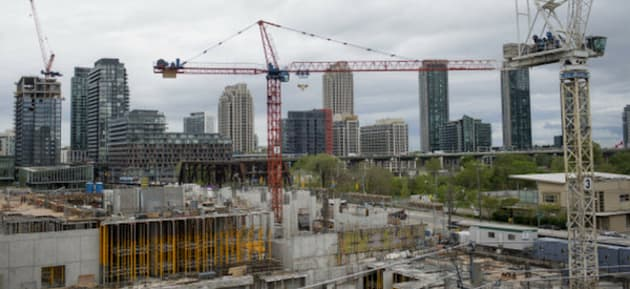 HuffPost Canada Housing Newsletter: It's Going To Be A Cool Summer For Toronto Real