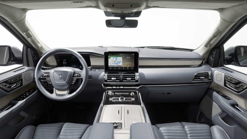 2018 Lincoln Navigator interior