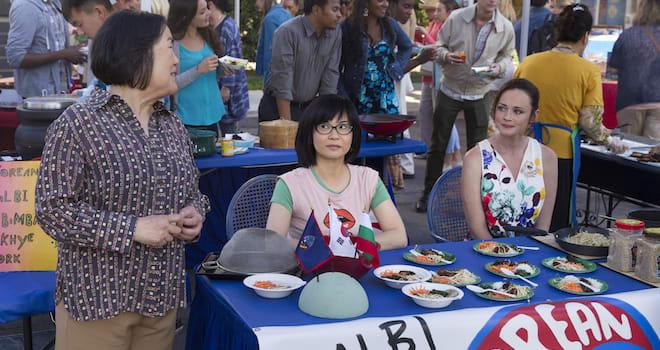 Emily Kuroda, Keiko Agena, Alexis Bledel in GILMORE GIRLS: A YEAR IN THE LIFE