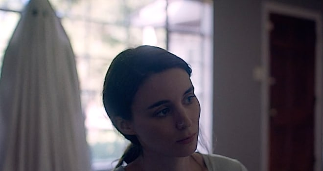 Casey Affleck Haunts Rooney Mara in 'A Ghost Story' Trailer