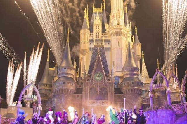 Disney workers reveal secrets of the park