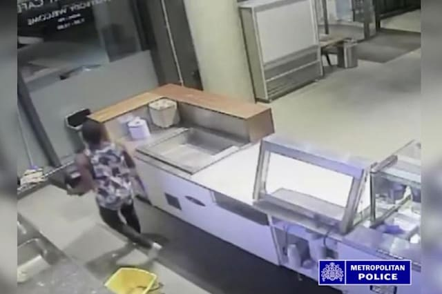 Brazen thief caught on CCTV