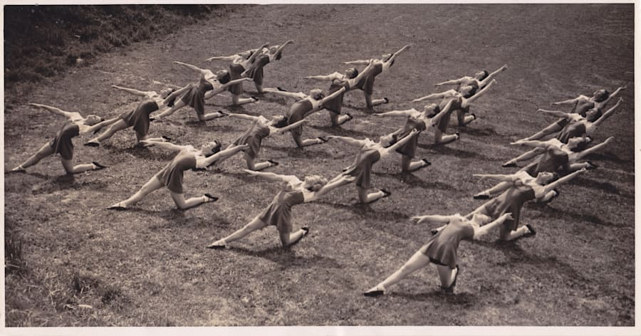 Physie activity was performed during the opening ceremony of the 2000 Sydney Olympic