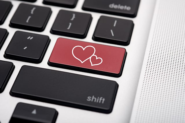 how to spot internet dating scams