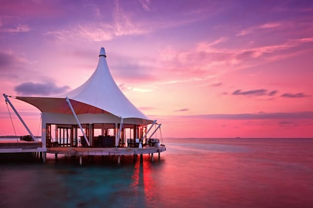 Take a virtual tour of this stunning hotel in the Maldives
