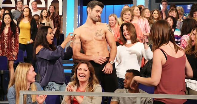 The Bachelorette 2017 Rachel Lindsay Takes Suitors in a Sexy Shirtless Date