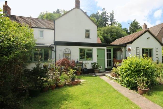 The pretty cottage