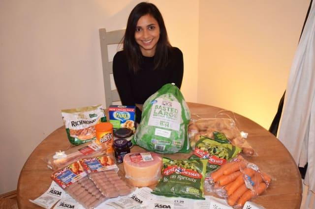 Bargain shopper blags Christmas dinner for free
