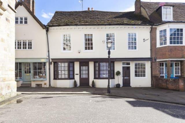 The Horsham cottage