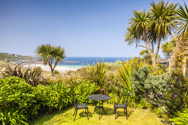 Stunning coastal holiday homes UK