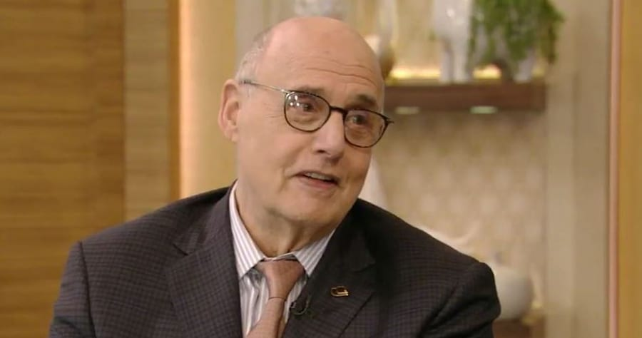 Ryan Seacrest Mistakes Jeffrey Tambor for Dead 'Ghost' Actor