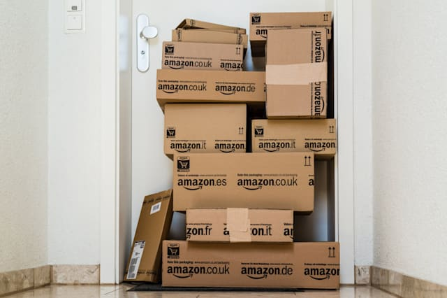 Amazon tops customer service poll