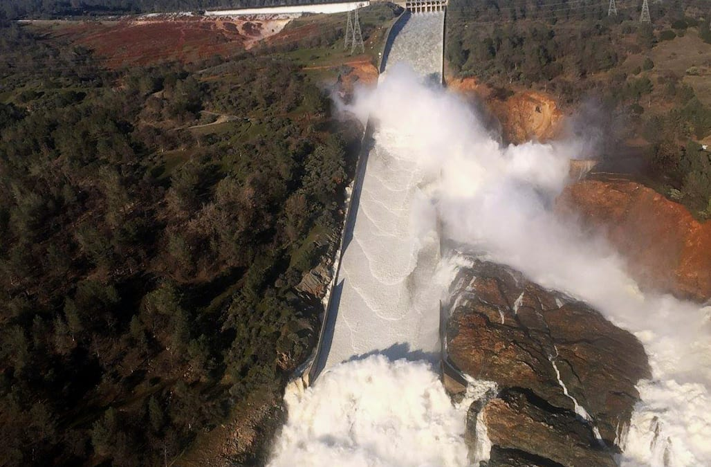 Hundreds of people are offering assistance to the thousands of Oroville 7d75e33b154b4