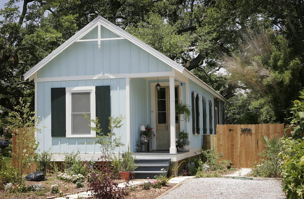 Where does the poop go your tiny home sewage questions for Virtual tiny house builder