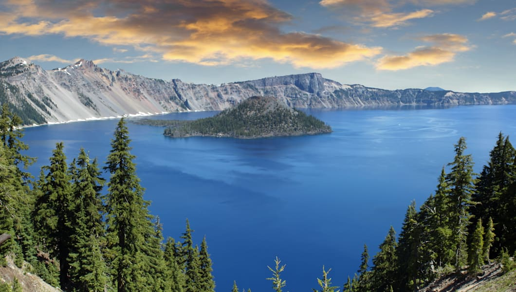Crater lake National Park and wizard Island