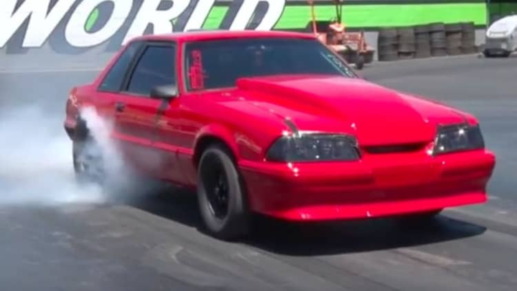 Chevy-powered Ford Mustang trolls dragstrip with 700-hp V8