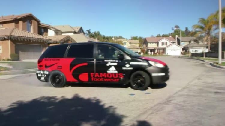 Momkhana goes drifting with a V8 minivan in the 'burbs
