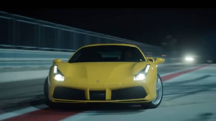 Ferrari 488 GTB slides through the night