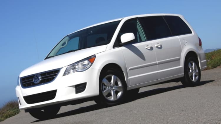 volkswagen routan recall information autoblog. Black Bedroom Furniture Sets. Home Design Ideas