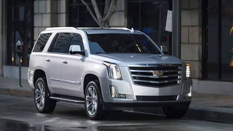 Cadillac Escalade gets $10,000 discount to ward off Navigator
