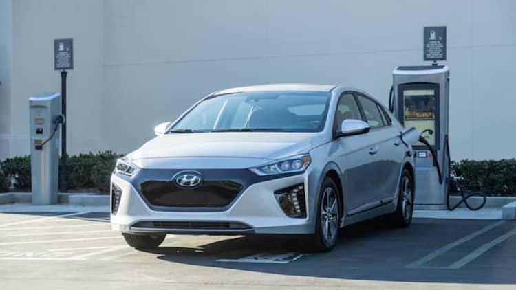 2019 Hyundai Ioniq gets new safety, infotainment tech